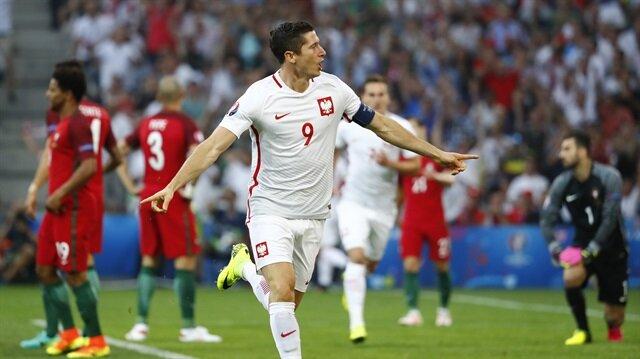 Lewandowski'den tarihi gol