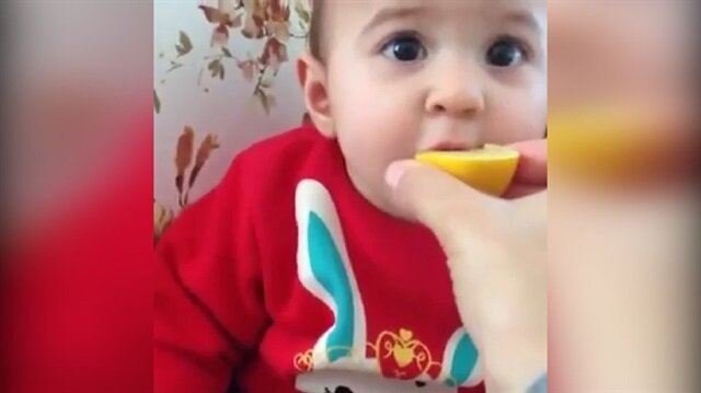 İlk defa limon yiyen bebek bakın ne yaptı?