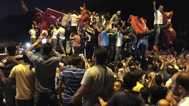 İstanbullular köprüye akın etti