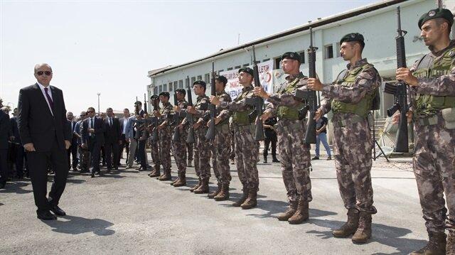 Cumhurbaşkanı Erdoğan, Gölbaşı Özel Harekat binasını ziyaret etti