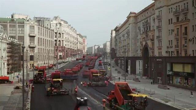 Moskova'daki muazzam yol yapım çalışması