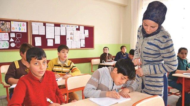 Suriyeli eğitimcilere formasyon