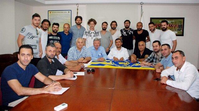 Transfer yasağı kalkan Bucaspor, 12 futbolcuyu renklerine bağladı.