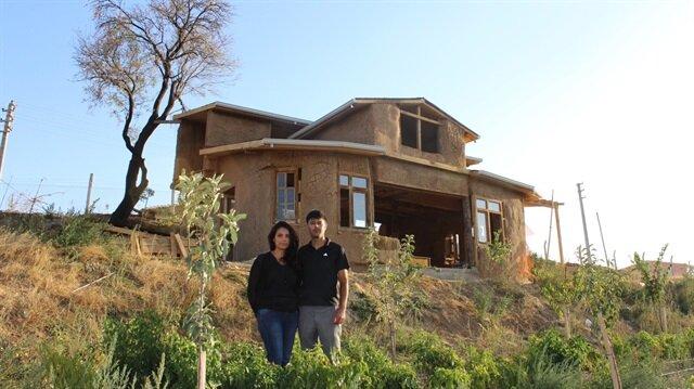 Samandan ve çamurdan ev yaptılar