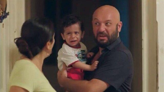 Küfürlü sahnelerde bebeğin yer alması tepki çekti