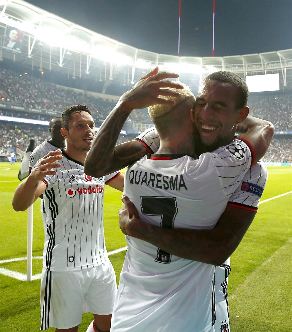 Ricardo Quaresma, attığı golün ardından böyle sevinç yaşadı.