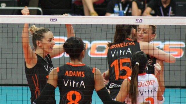Eczacıbaşı VitrA Kadın Voleybol Takımı, Dünya Kulüpler Şampiyonası'nda üst üste 2. şampiyonluğuna ulaştı.