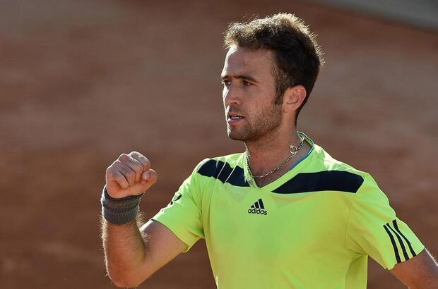 11 Haziran 1987 yılında Semerkant'ta dünyaya gelen milli tenisçinin doğduğu zaman Marsel Khamdamov olan ismi, Türk vatandaşlığına geçişi ile Marsel İlhan olarak değiştirildi.