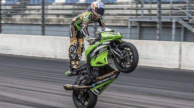 Milli motosikletçi Kenan Sofuoğlu, Dünya Supersport Şampiyonası'nda sezonun 12. ve son yarışını ikinci sırada tamamladı.