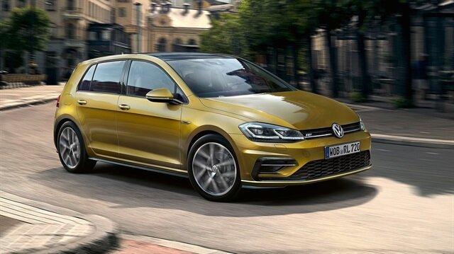 Volkswagen'in en çok satan otomobilleri arasında yer alan Golf yenilendi. Yeni Golf 2017 yılında geliyor.