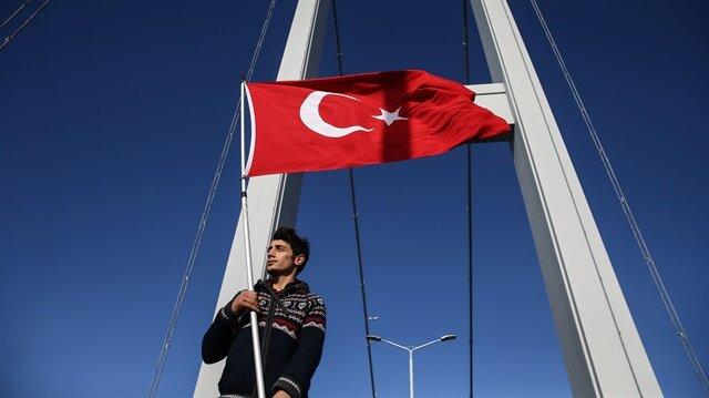15 Temmuz hain darbe girişiminin ardından adı Şehitler Köprüsü olarak değiştirilen köprüde yeni adıyla ilk kez bir maraton gerçekleştirildi.
