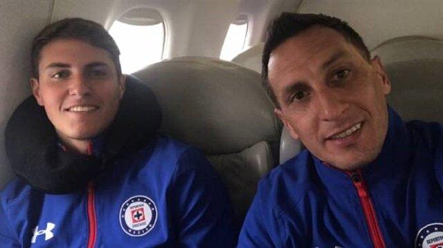35 yaşındaki Christian Gimenez'in oğlu Santiago Gimenez ilk kez A takımla maça çıktı.