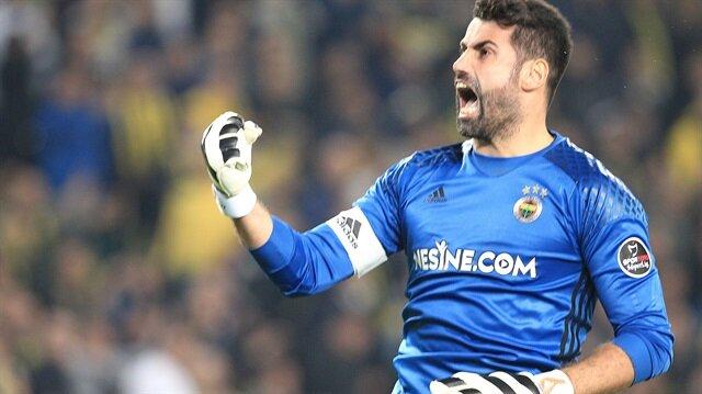 Fenerbahçe'nin kalecisi Volkan Demirel, sarı-lacivertli forma ile Kadıköy'de çıktığı Galatasaray ve Beşiktaş derbilerinde yenilgi yüzü görmedi.