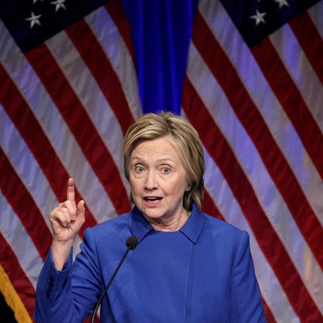 Clinton oyların yeniden sayımı için atağa geçti