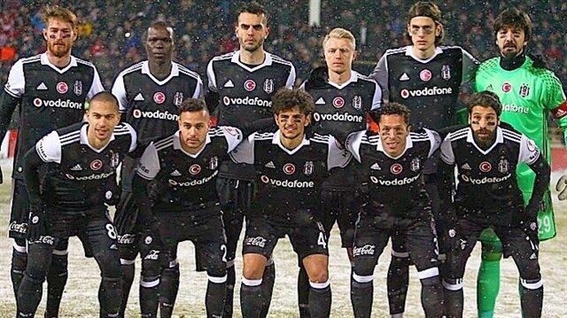 Beşiktaş'ın U21 takımının vazgeçilmez oyuncusu olan Eslem Öztürk A Takım'da fazla forma şansı bulamadığı için Erzurumspor'a kiralandı.
