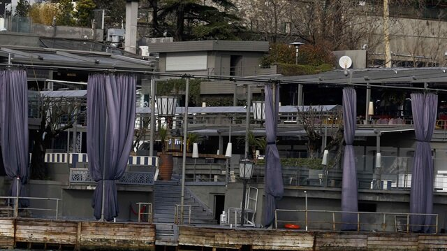 Istanbul's Reina nightclub, overlooking the Bosphorus, has been sealed off by police forces on land and at sea.
