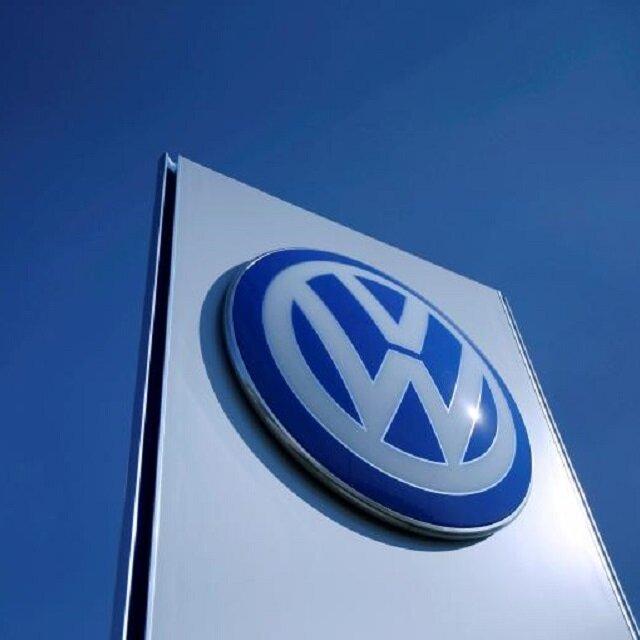 US judge approves VW dealers $1.2 bln settlement