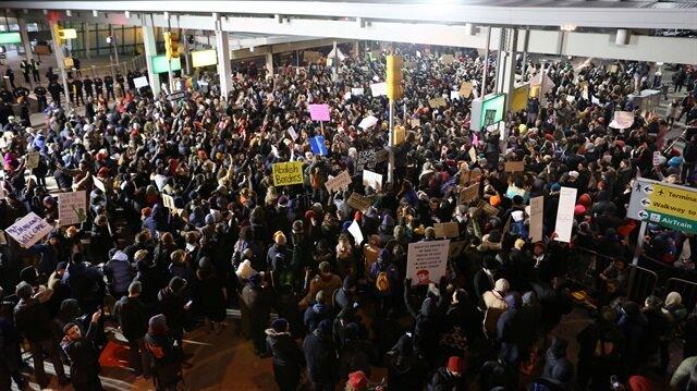 İngiltere'den Trump'ın göçmen kararına tepki