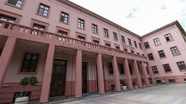 Adalet Bakanlığı görevde yükselme yönetmeliğinde yapılan değişiklik haberimizde.