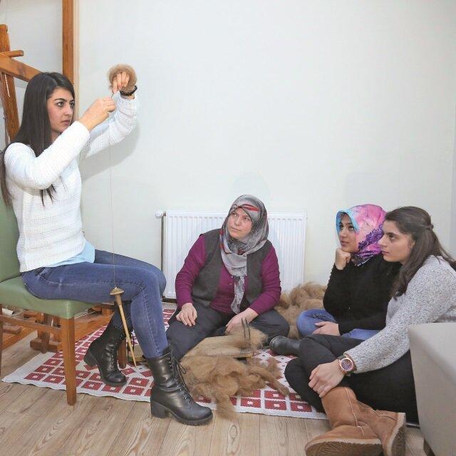 Üniversiteli kızlar ihrama hayat veriyor