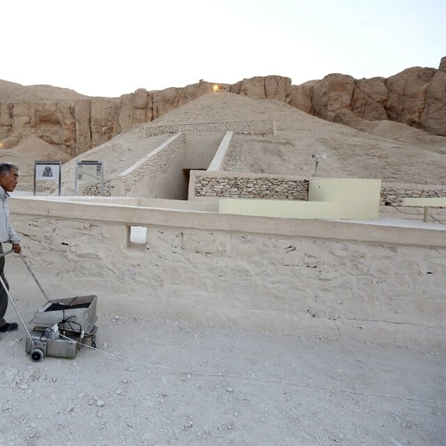Archaeologists in Egypt unearth pharaonic structures