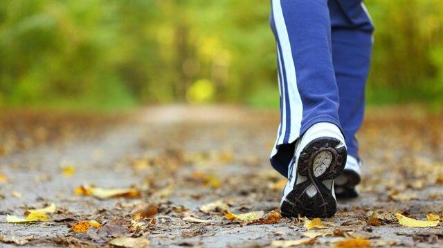 Her gün 2 kilometre yürü Alzheimer'dan korun