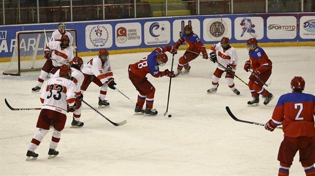Buz hokeyinde Rusya'ya 42-0 mağlup olan milli takıma eleştiriler gelmişti.