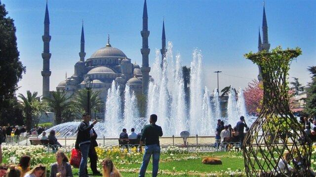 2016'da İstanbul'a gelen turist sayısı 10 milyona yaklaştı.