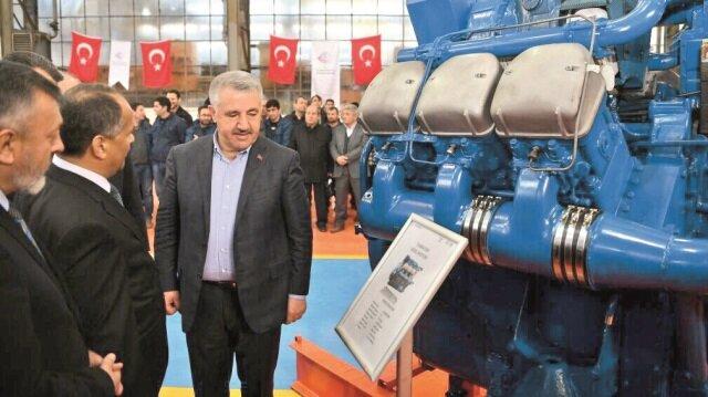 Ulaştırma Bakanı Ahmet Arslan, YHT'yi hem milli hem de yerli olarak yapacaklarını söyledi.