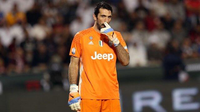Buffon 607 kez Juventus forması giydi.