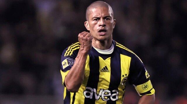 Alex de Souza, 2004-2012 yılları arasında Fenerbahçe forması giymişti ve taraftarın büyük sevgisini kazanmıştı.