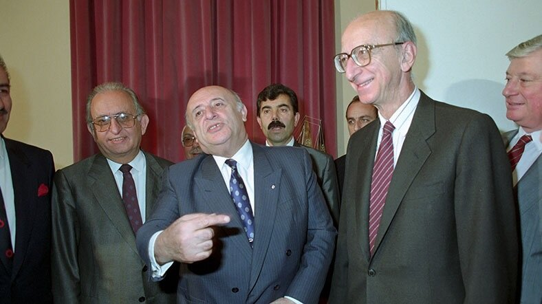 1991 yılında DYP-SHP koalisyonu kuruldu.