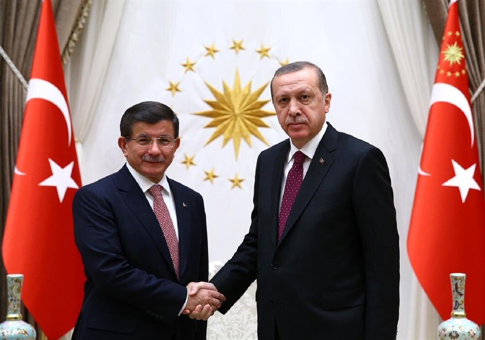 Cumhurbaşkanı Erdoğan, seçim hükümeti için Başbakan Ahmet Davutoğlu'nu görevlendirdi.