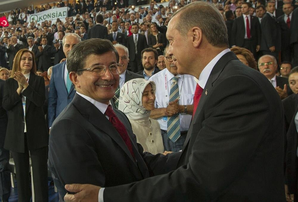 Başbakan Recep Tayyip Erdoğan'ın Cumhurbaşkanı seçilmesinin ardından gerçekleşen AK Parti 1. Olağanüstü Büyük Kongresinden bir kare.