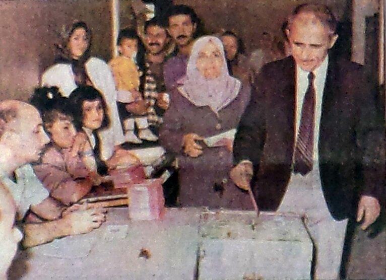 1988 referandumundan bir kare.