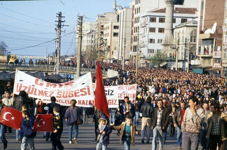 Zonguldak maden grevi ve yürüyüşü Türkiye tarihindeki en büyük yürüyüşlerden biri oldu.