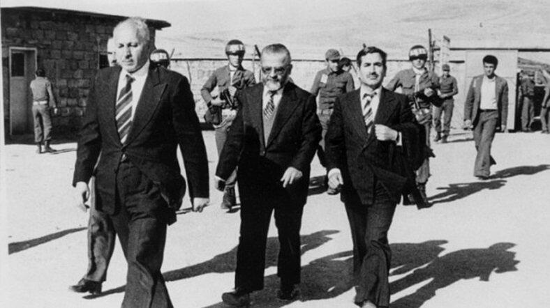 Necmettin Erbakan'a darbeciler İzmir'i adres gösterdi. (BYEGM arşivi)