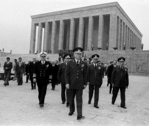 Darbeci generaller Anıtkabir'de.