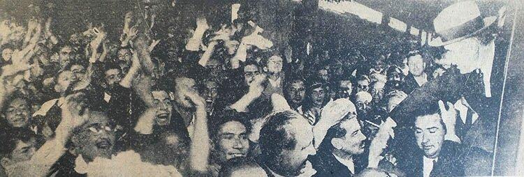 Fevzi Çakmak, Haydarpaşa'da büyük bir kalabalık tarafından karşılandı.