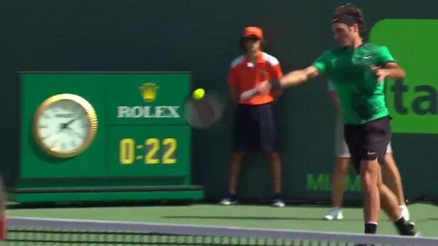 Roger Federer'den müthiş sayı