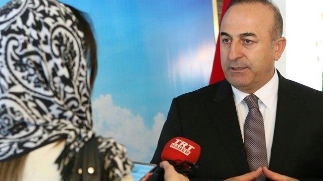 Dışişleri Bakanı Mevlüt Çavuşoğlu, gazetecilerin sorularını yanıtlıyor.