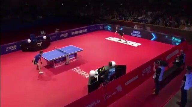 Masa tenisinde ilginç ralli