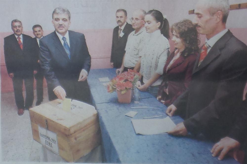 Abdullah Gül, Kayseri'de oy kullandı.