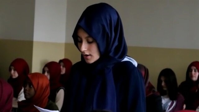 İmam hatipli kızlardan polis abilere ağlatan mektup