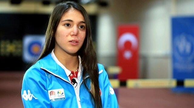 İlke Özyüksel, modern pentatlonda Türkiye'nin ilk sporcusu oldu.