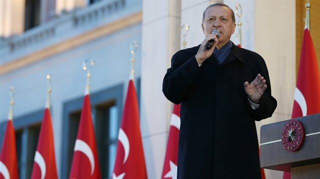 Cumhurbaşkanı Erdoğan, Külliye'de vatandaşlara hitap etti.