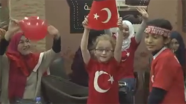 Turkish expats celebrate 'yes' win in Beirut