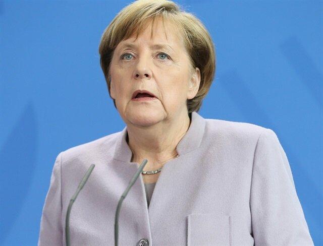 Merkel'den Türkiye çağrısı