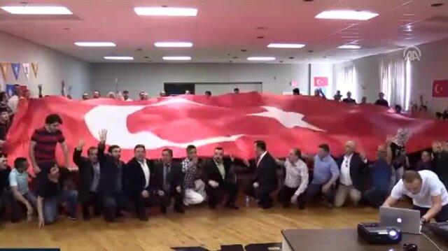 Turks in US celebrate 'yes'