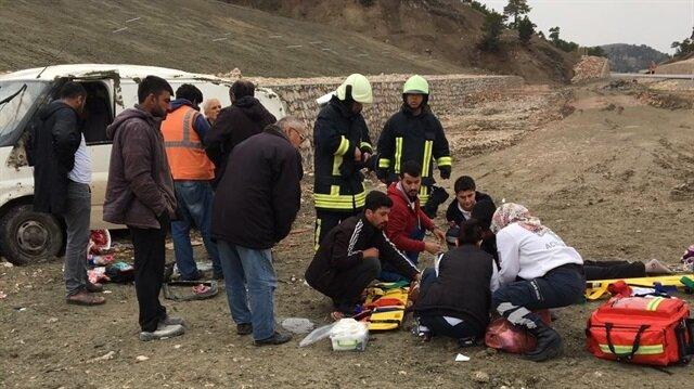 Denizli'de araç takla attı: 1 ölü, 1'i çocuk 2 yaralı